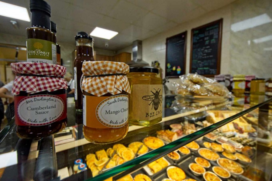 Jam, honey, preserves, sauces and more...